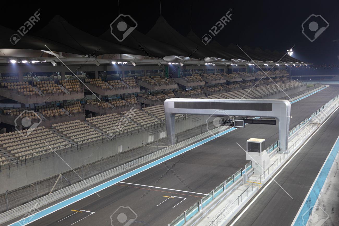 Circuito Yas Marina : Yas marina fórmula un circuito carreras de pista en abu dhabi