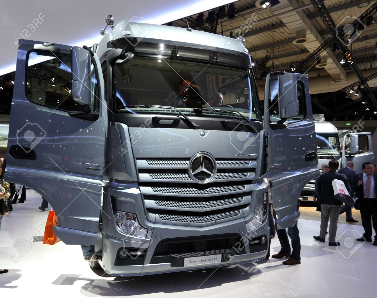 hannover - sep 20: new mercedes benz actros 2651 ls truck at