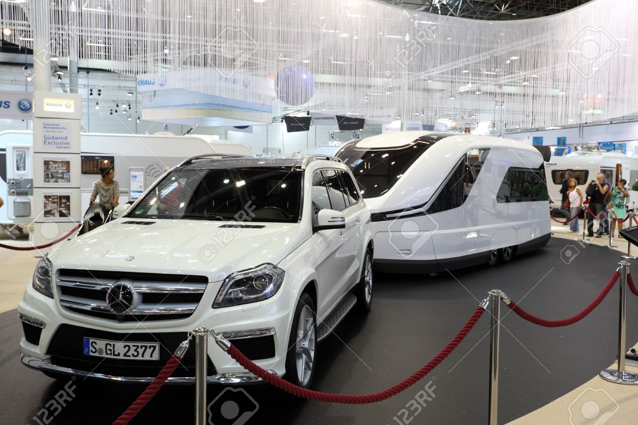 Dusseldorf September Mercedes Benz Suv And A Modern Camper