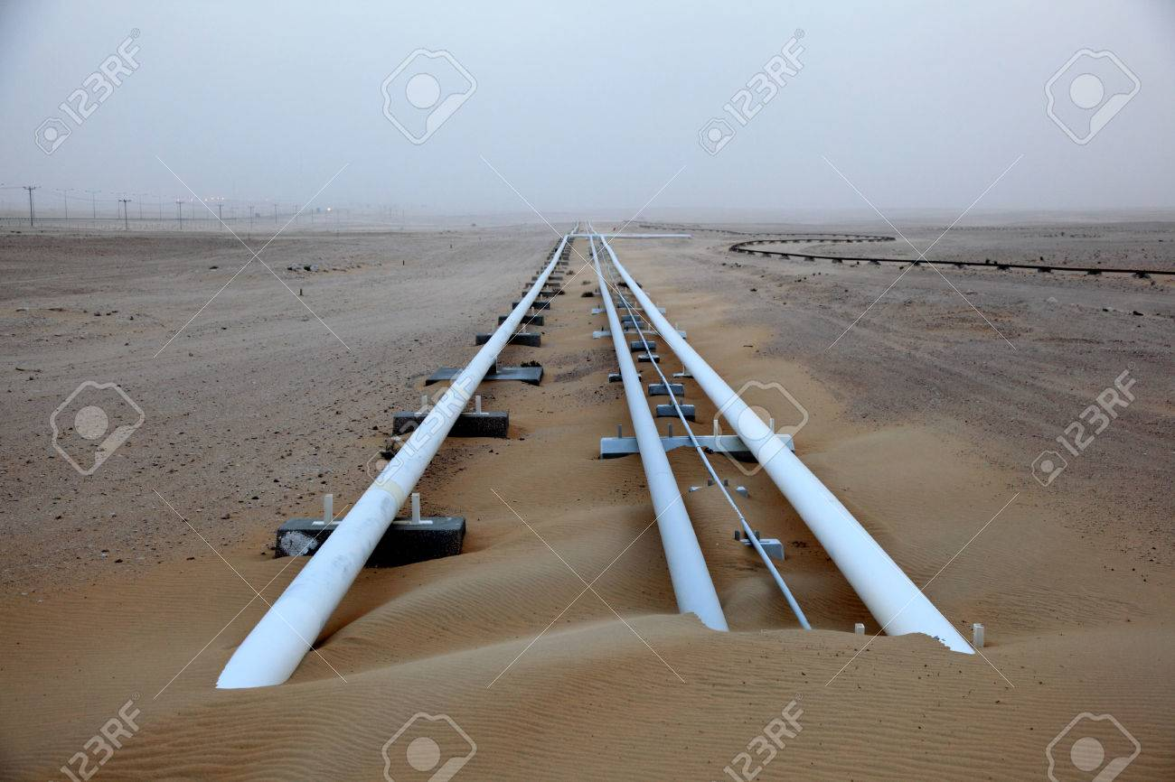 Oil pipeline in the desert of Qatar, Middle East Stock Photo - 26562826