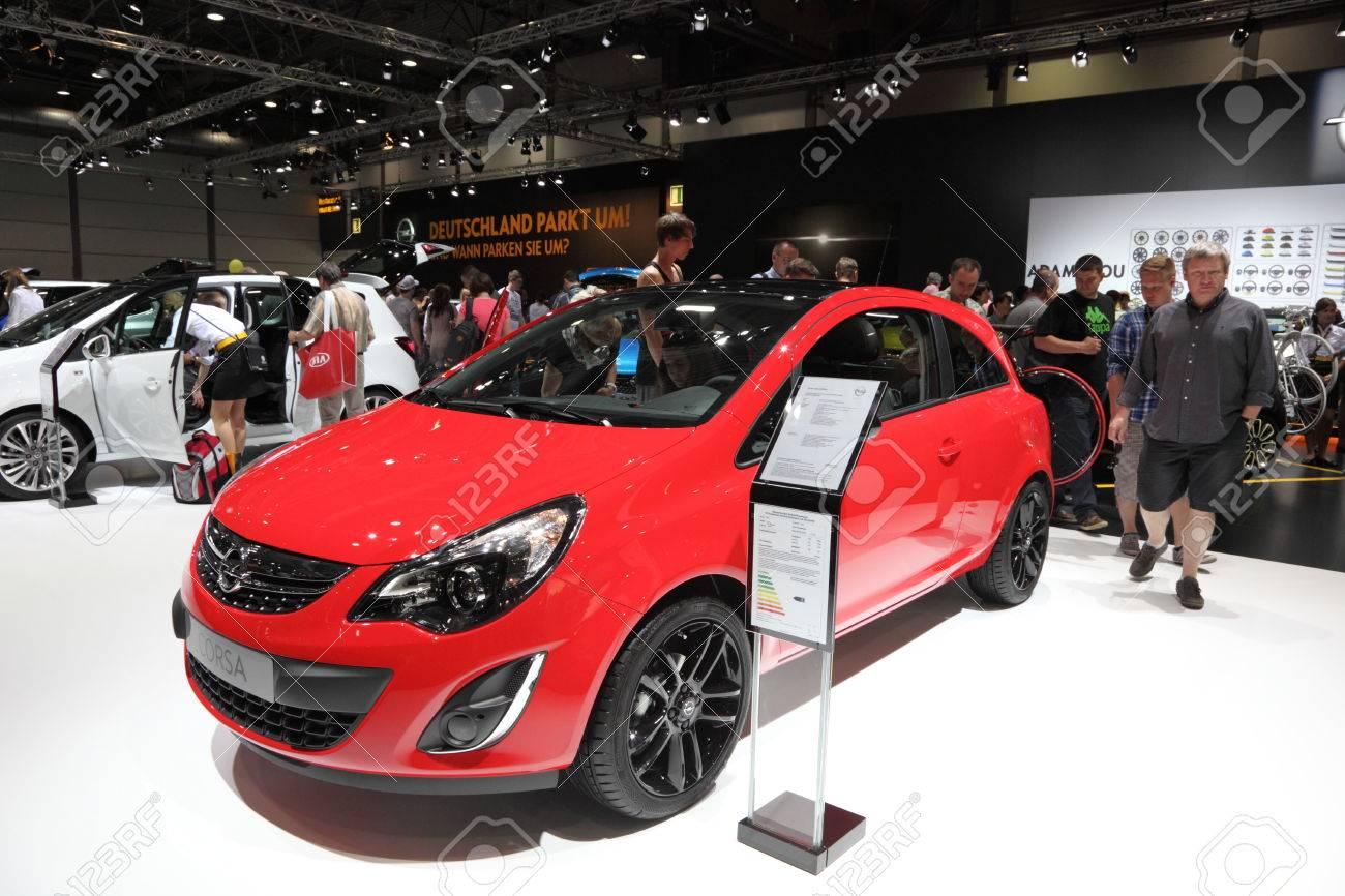 78+ Gambar Mobil Sedan Opel HD Terbaik