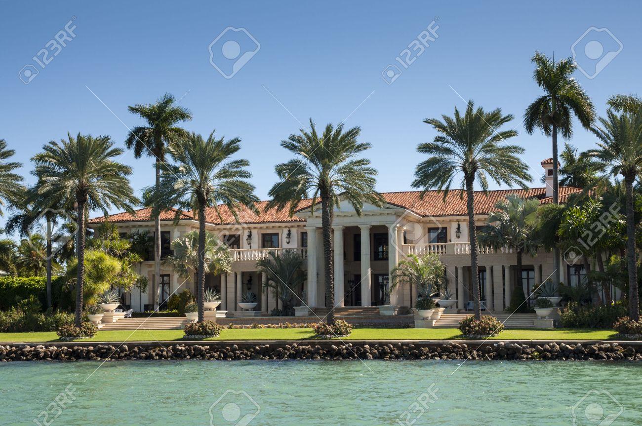 Luxurious mansion on Star Island in Miami, Florida, USA Stock Photo - 32353739