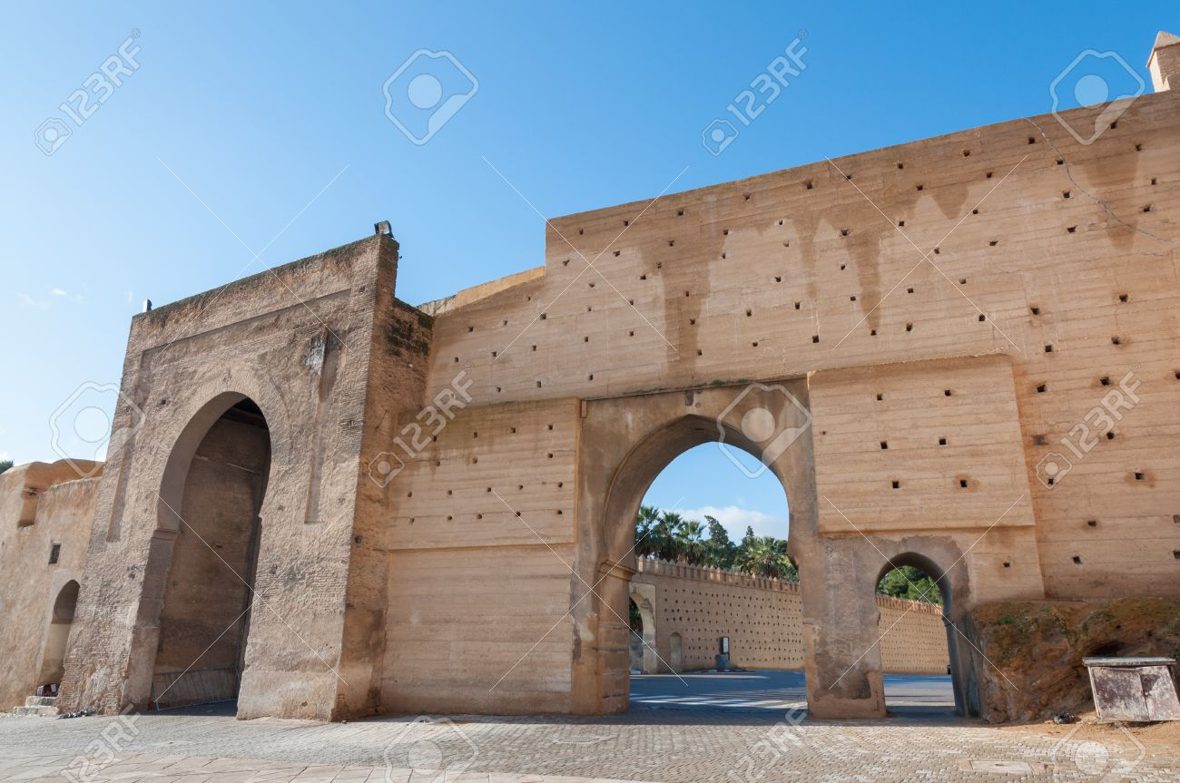ancient city wall in the medina of fez morocco africa stock photo