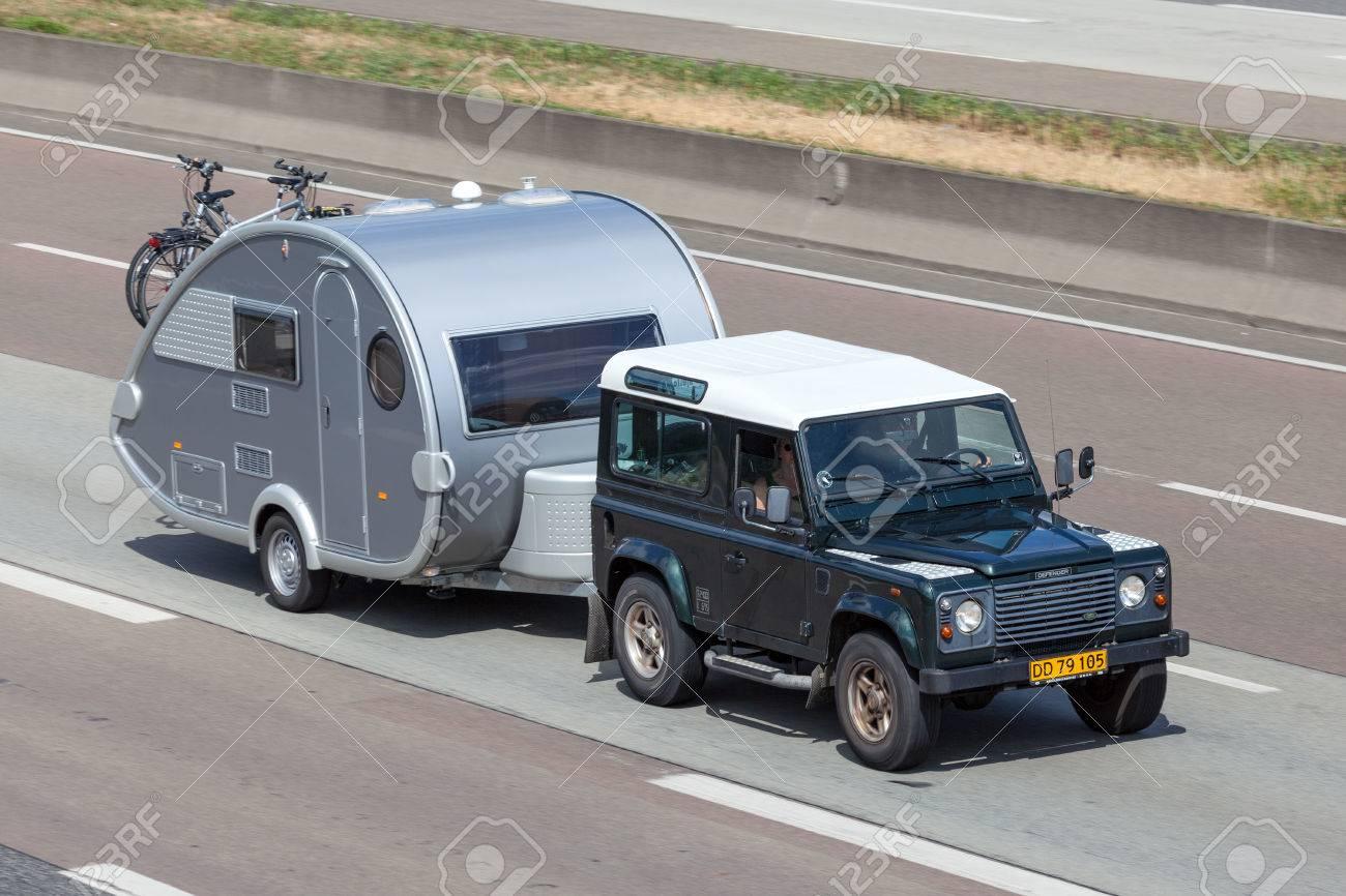Francfort Alemania 21 De Julio Land Rover Defender Con Una
