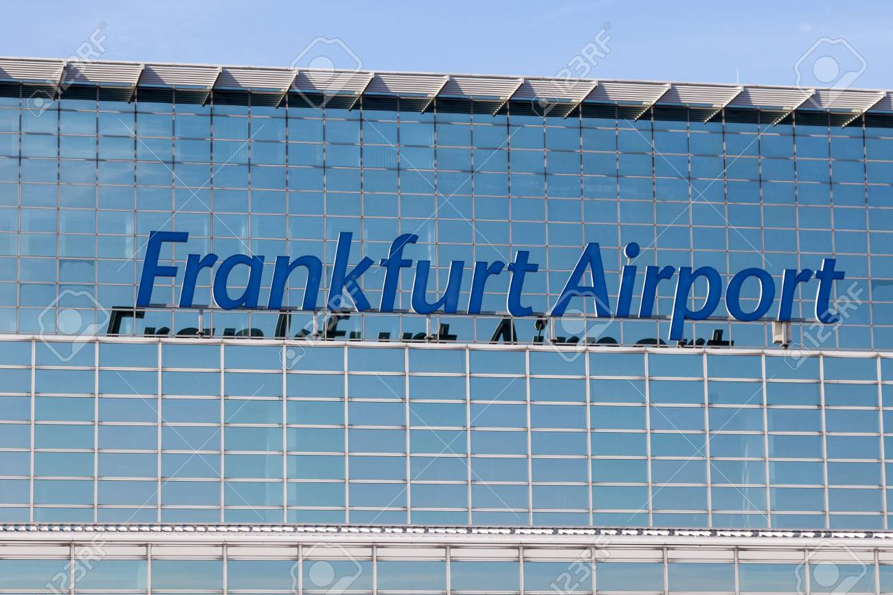 Frankfurt Deutschland 3 Oktober äußeres Theterminal 2 Am