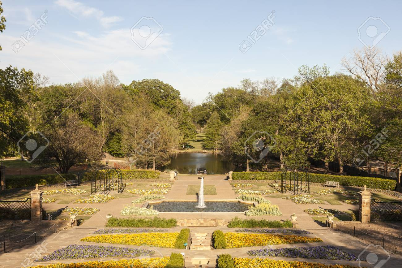 Rose Garden And Park In The City Of Fort Worth, Texas, USA Stock ...