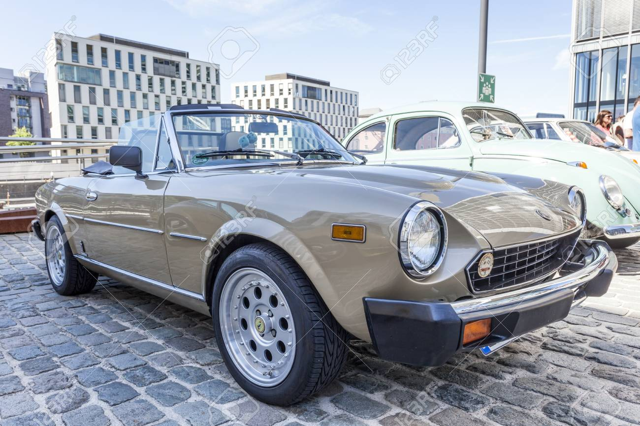 Cologne Germany Aug 7 2016 Fiat 124 Spider From Ca 1980 1970 Sport