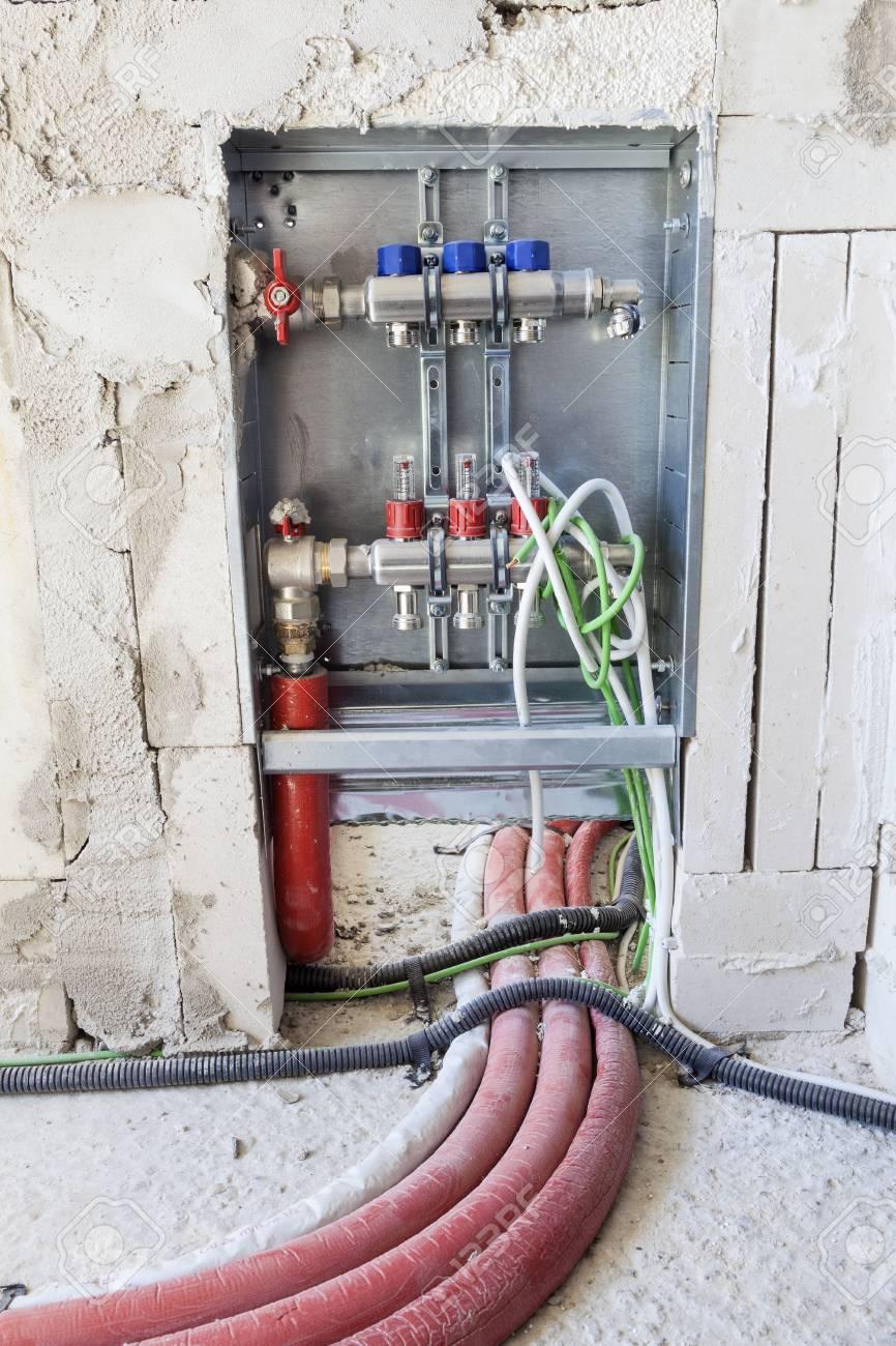 Großzügig Wie Man Elektrische Leitungen In Einem Haus Installiert ...
