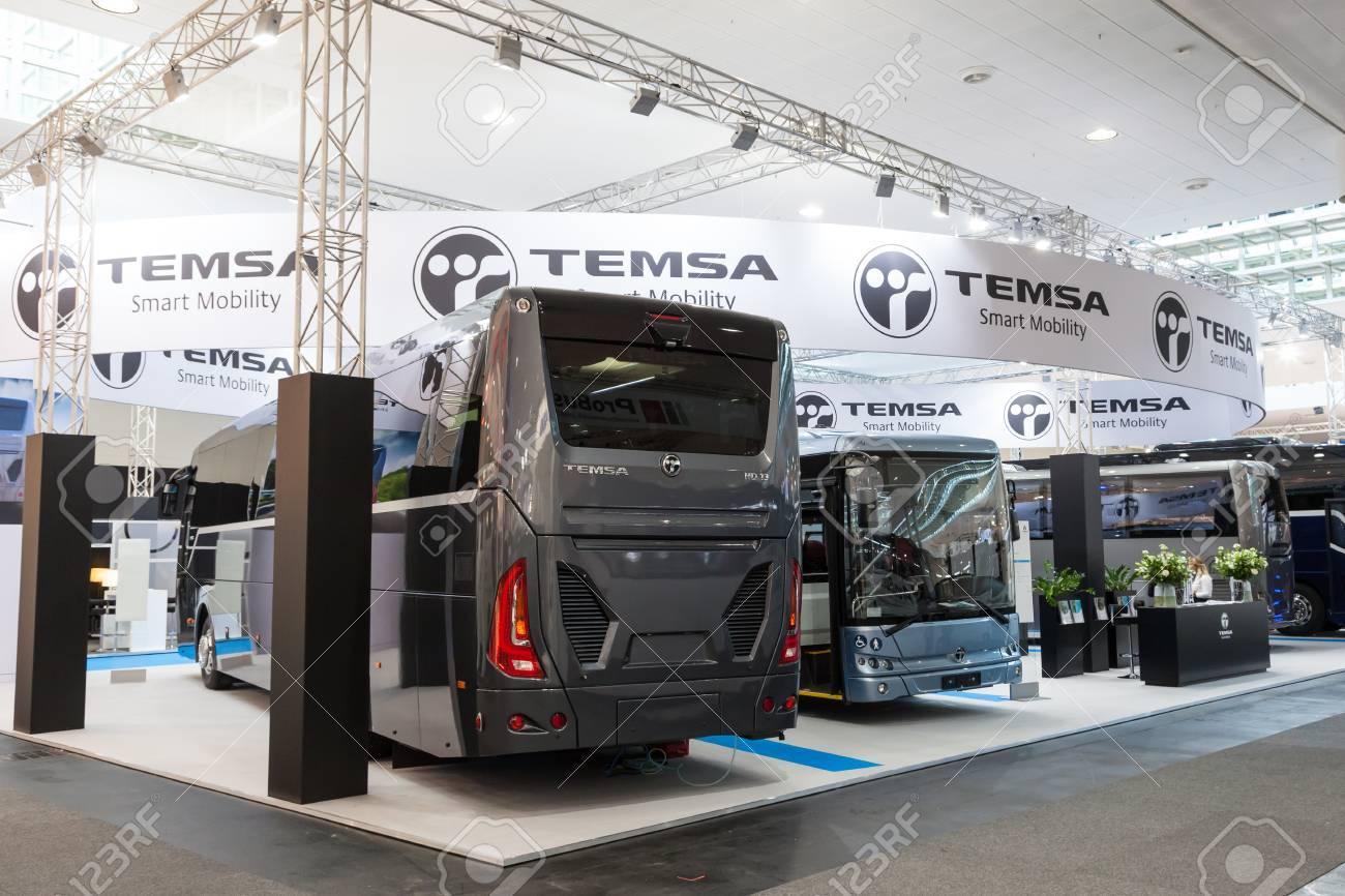 Hanovre, Allemagne - 23 septembre 2016: De nouveaux autobus de la compagnie  turque TEMSA au salon IAA Véhicules Industriels 2016 International Trade ...