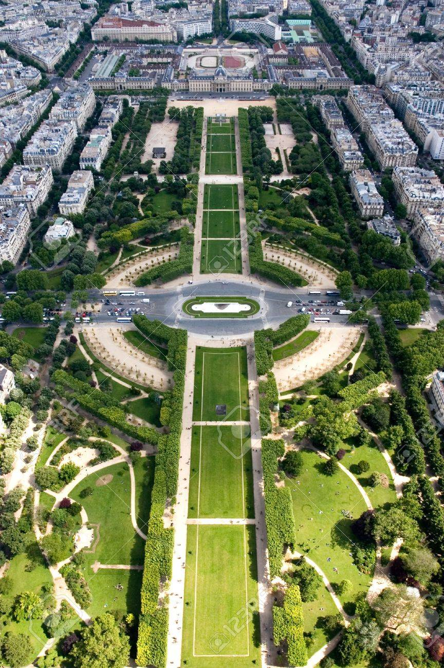 A view from the 2nd level of the Eiffel Tower, Paris, France Stock Photo - 3276788