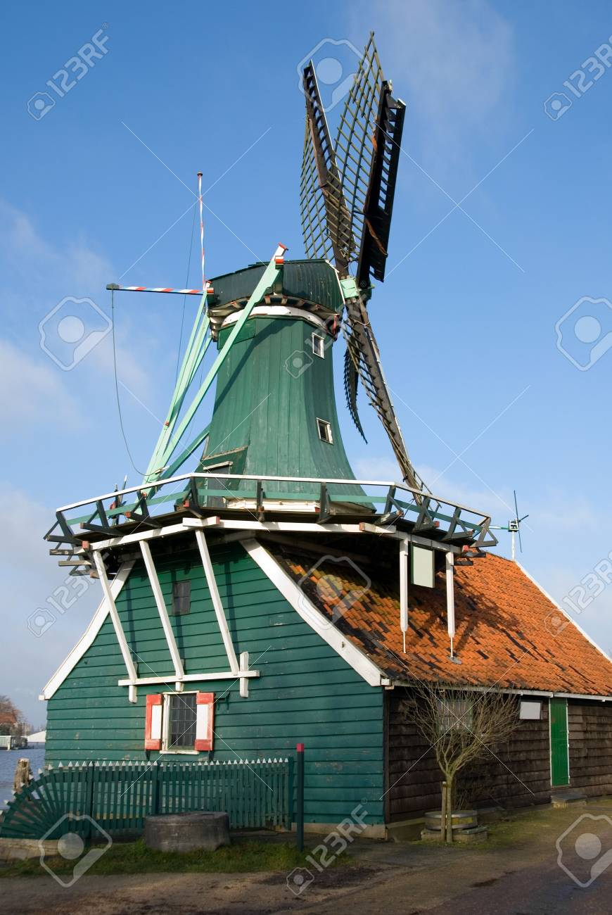 A Traditional Dutch windmill in the quaint village of Zaanse Schans, the Netherlands Stock Photo - 5362151
