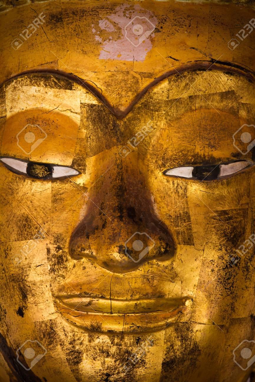 Buddha statue Stock Photo - 15741883