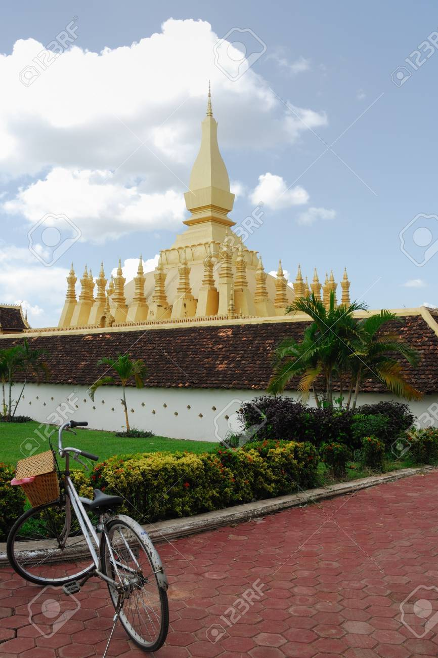 Bicycle in front of Wat Pha That Luang Pagoda, Laos Stock Photo - 15429550