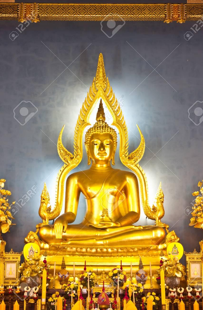 Buddha statue at Wat Benchamaborphit in thailand Stock Photo - 14833344