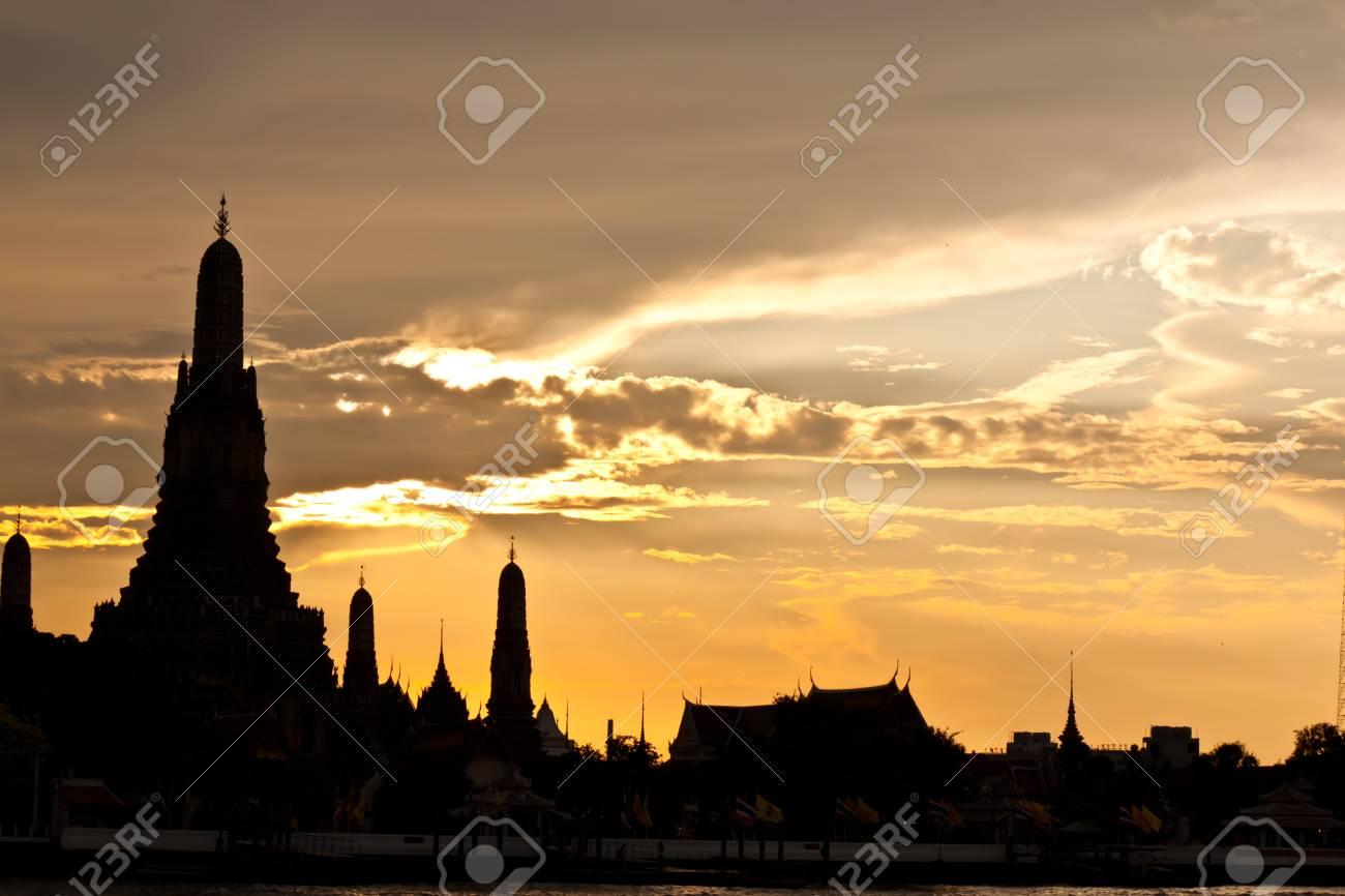 pagoda at wat arun bangkok of thailand Stock Photo - 18772836