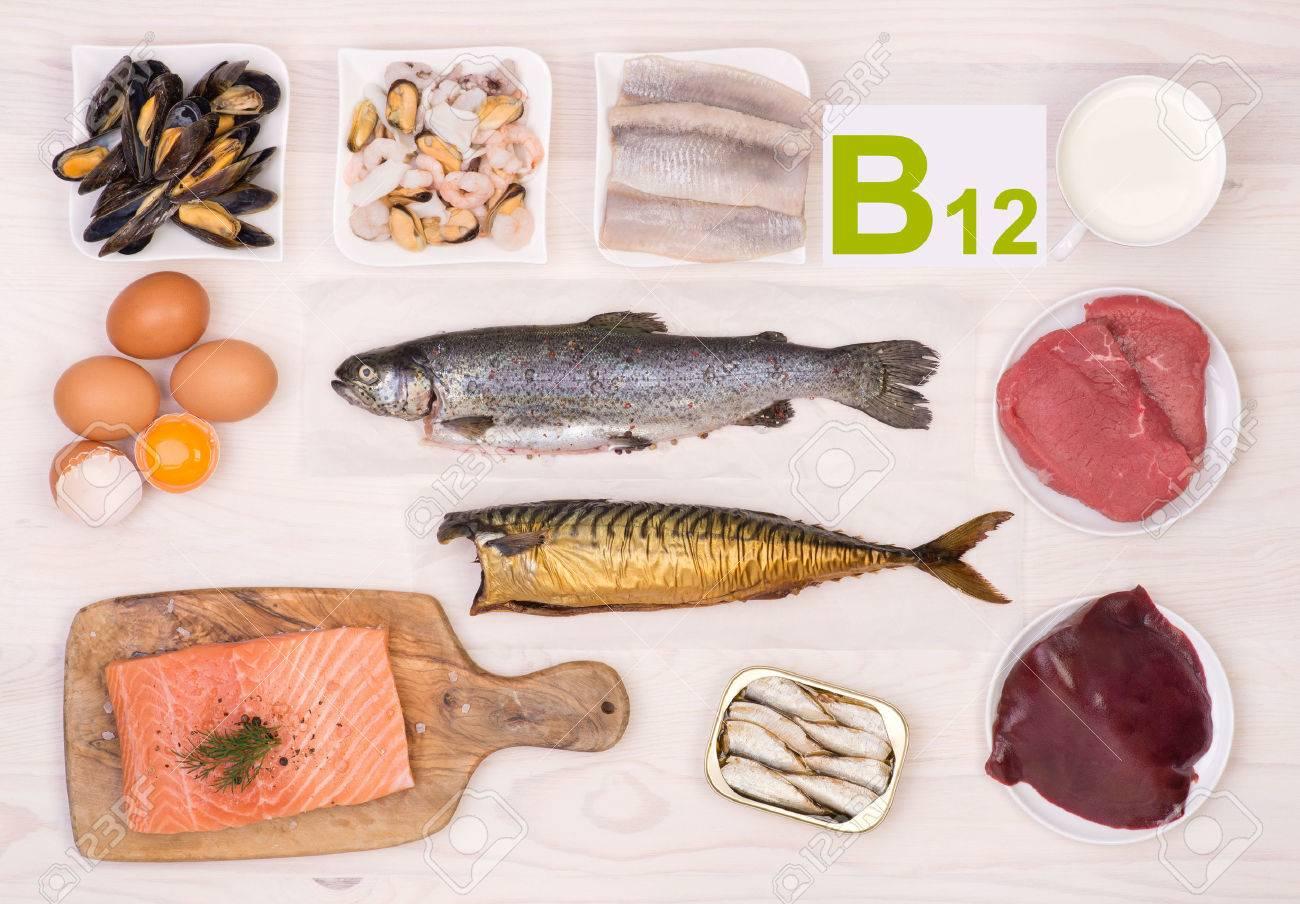 ビタミン b12 の 食べ物