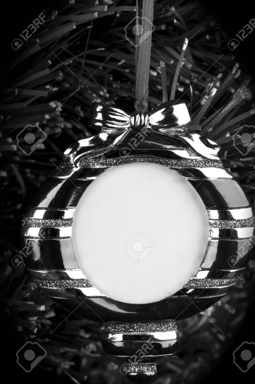 Schwarz Und Weiß, Hängende Runde Bilderrahmen Auf Weihnachtsbaum ...