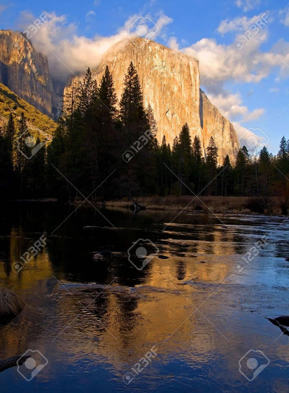 Reflection of El Capitan in Yosemite at sunset Stock Photo - 6173096