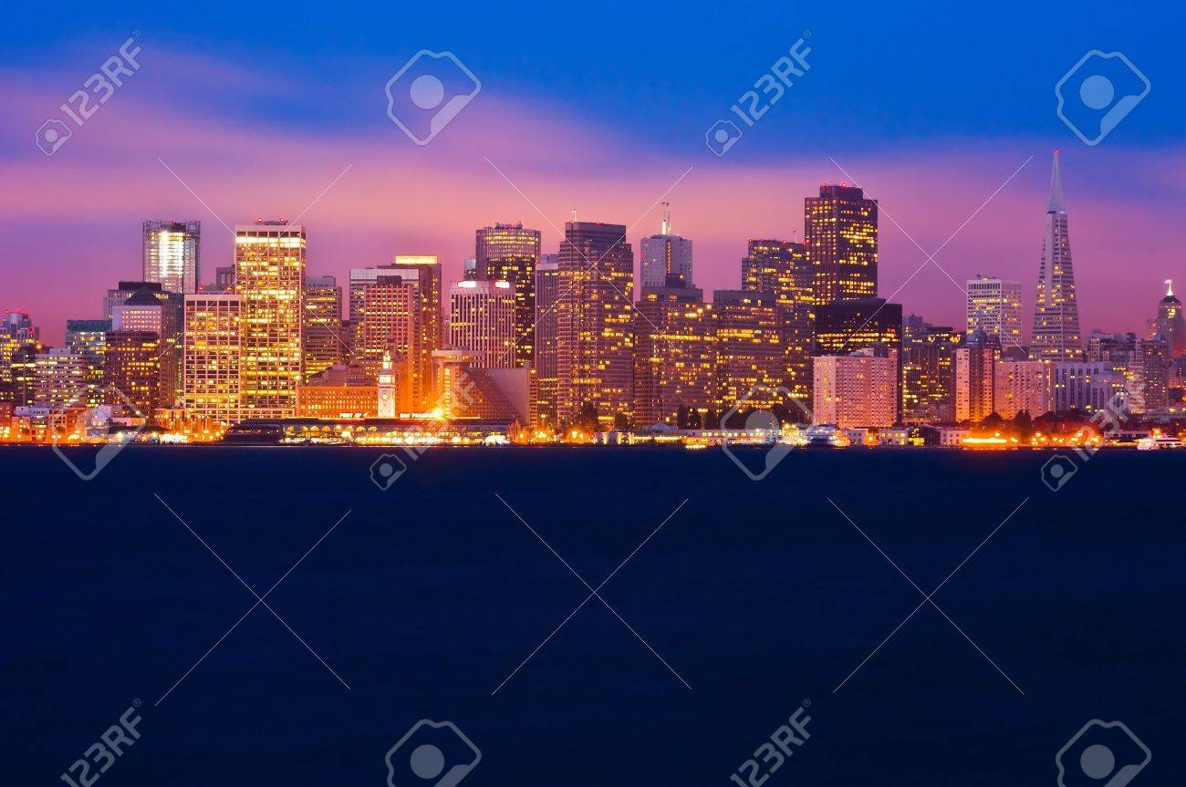 San Francisco skyline at night Stock Photo - 6291996