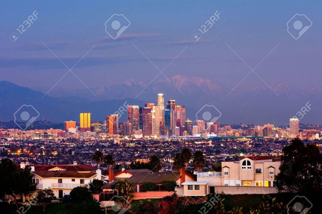 Los Angeles at night - 17339753