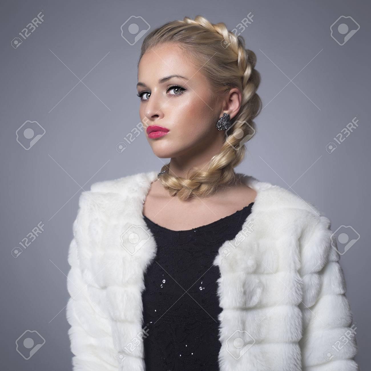 la winter en rubia rubio en abrigo piel de pieles modelo de de en Beauty Mujer lujo fur Hermosa mujer conejo niña chaqueta fashion vxIw5qWH0C
