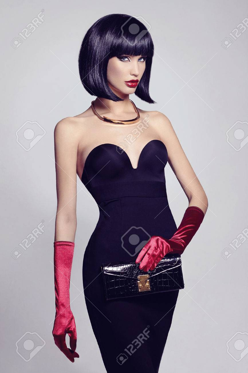 Black dress gloves - Beautiful Sexy Woman In Elegant Black Dress Gloves And Clutch Retro Bob Hairstyle Beauty