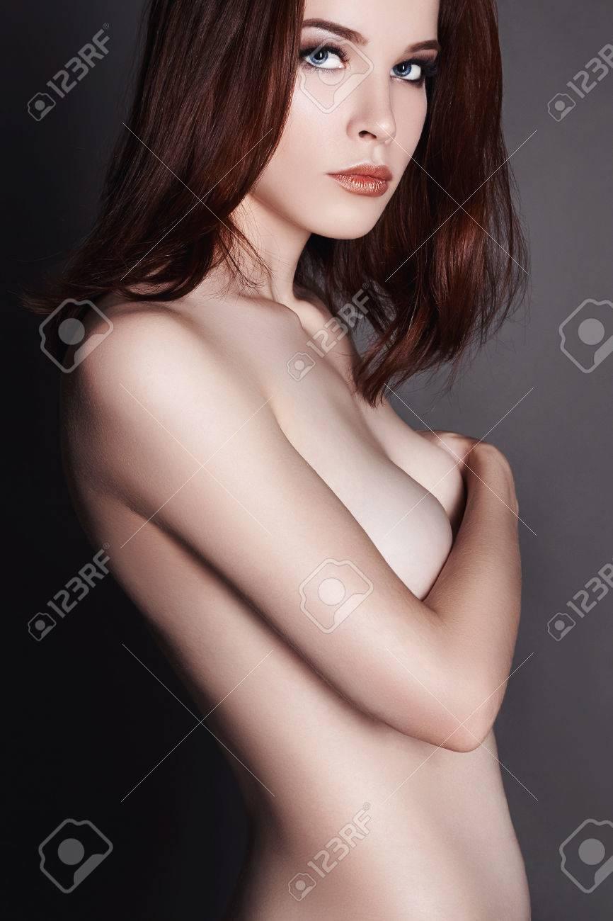 nude-girl-simple