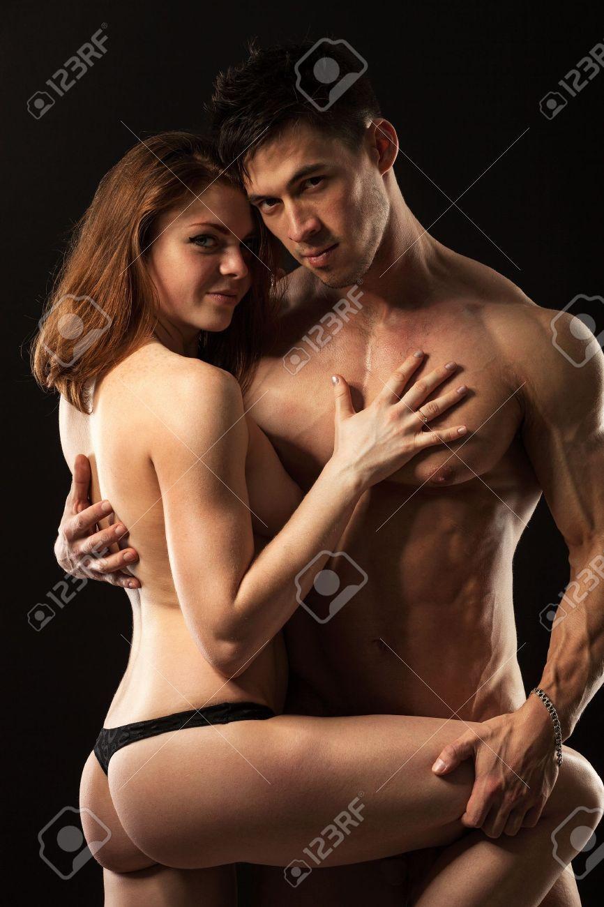 Парень с девушкой голый