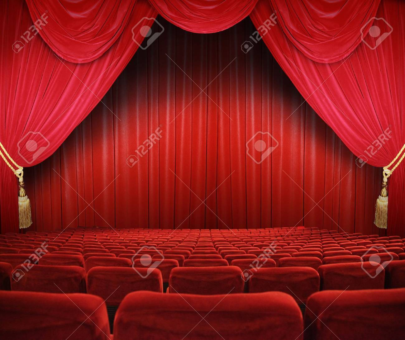 Closed theater curtains - Curtain Closed Classic Cinema With Red Seats