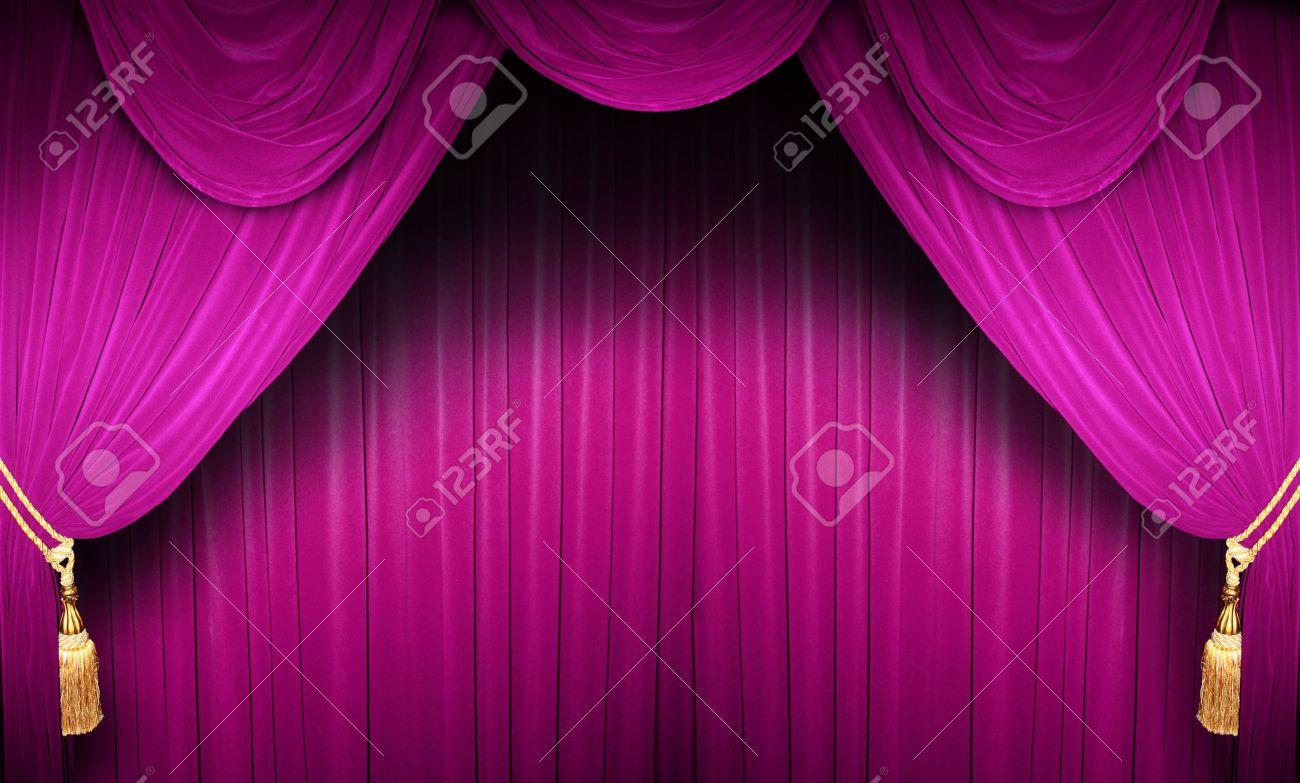 Rideau d\'un théâtre classique