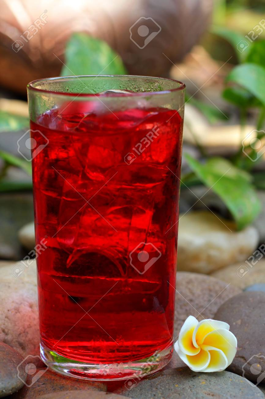 Red beverage Stock Photo - 16670472