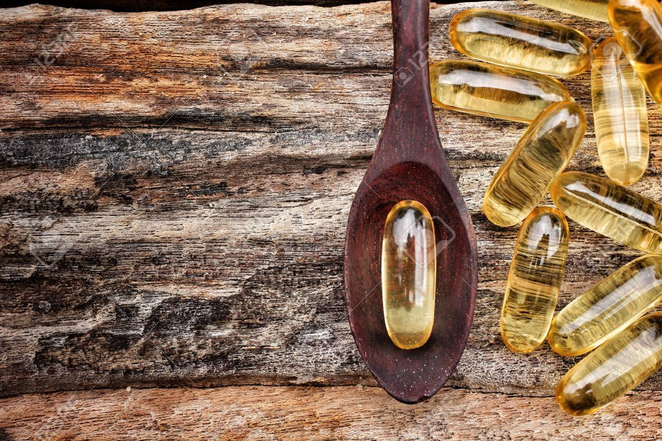 Close-up of cod liver oil capsules Standard-Bild - 22442411