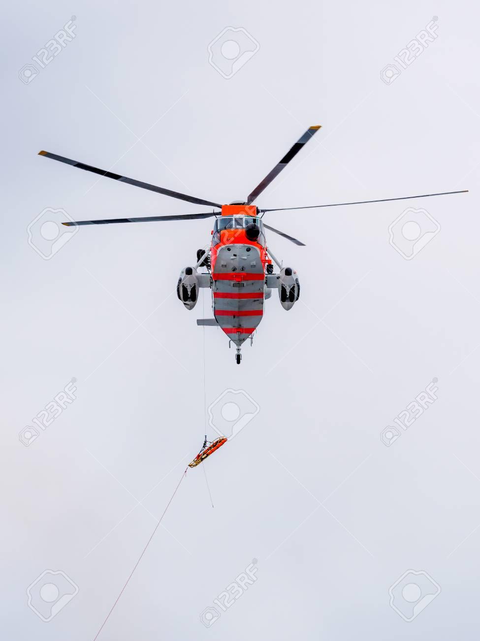 ノルウェーの捜索救難ヘリコプタ...