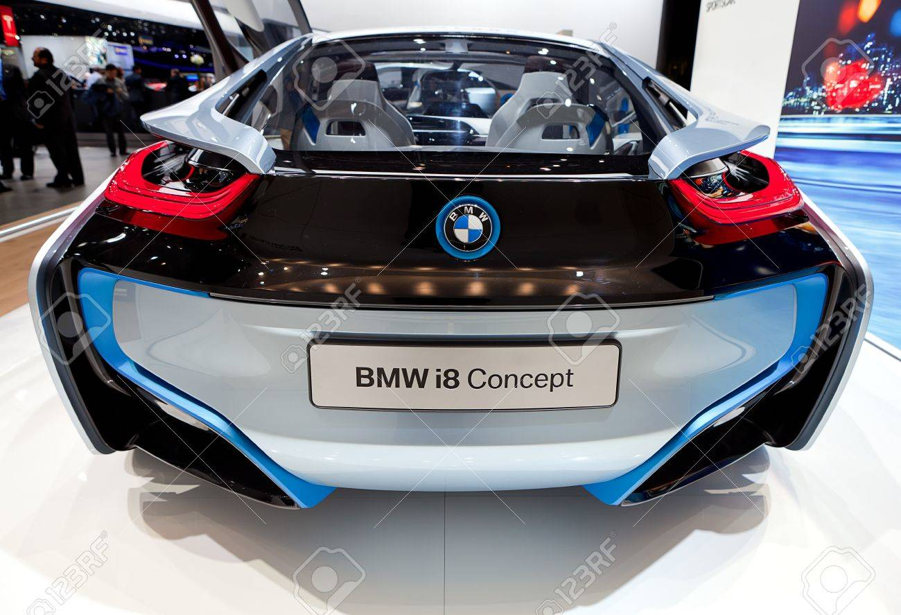 Detroit January 11 Rear View Of The Bmw I8 Electric Concept