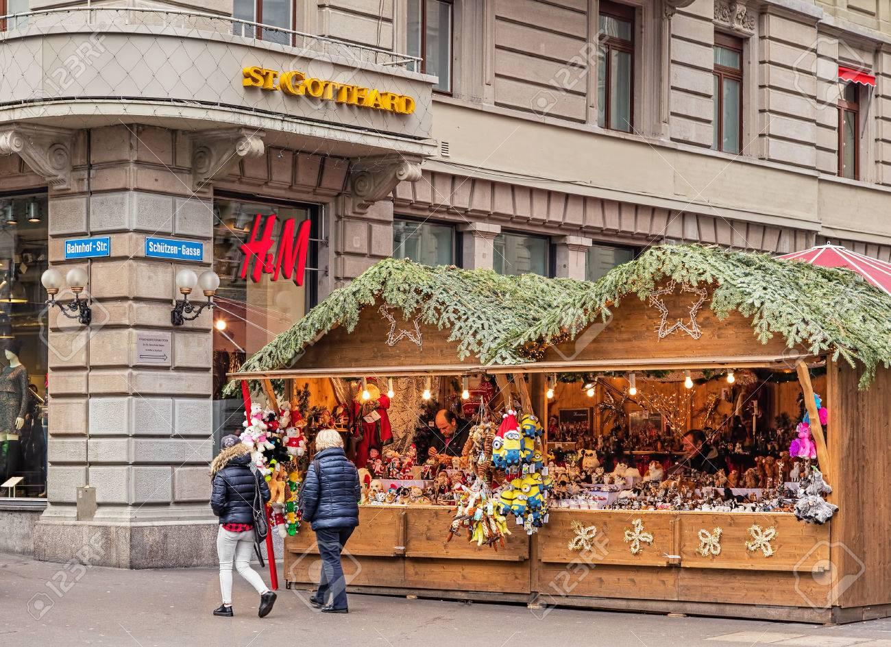 Zurich, Switzerland - 6 December, 2015: Christmas Market Kiosks ...