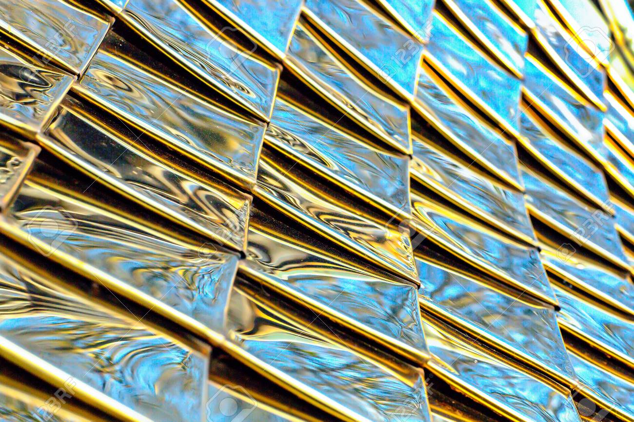 e6ee4618d363b Metalic Pattern