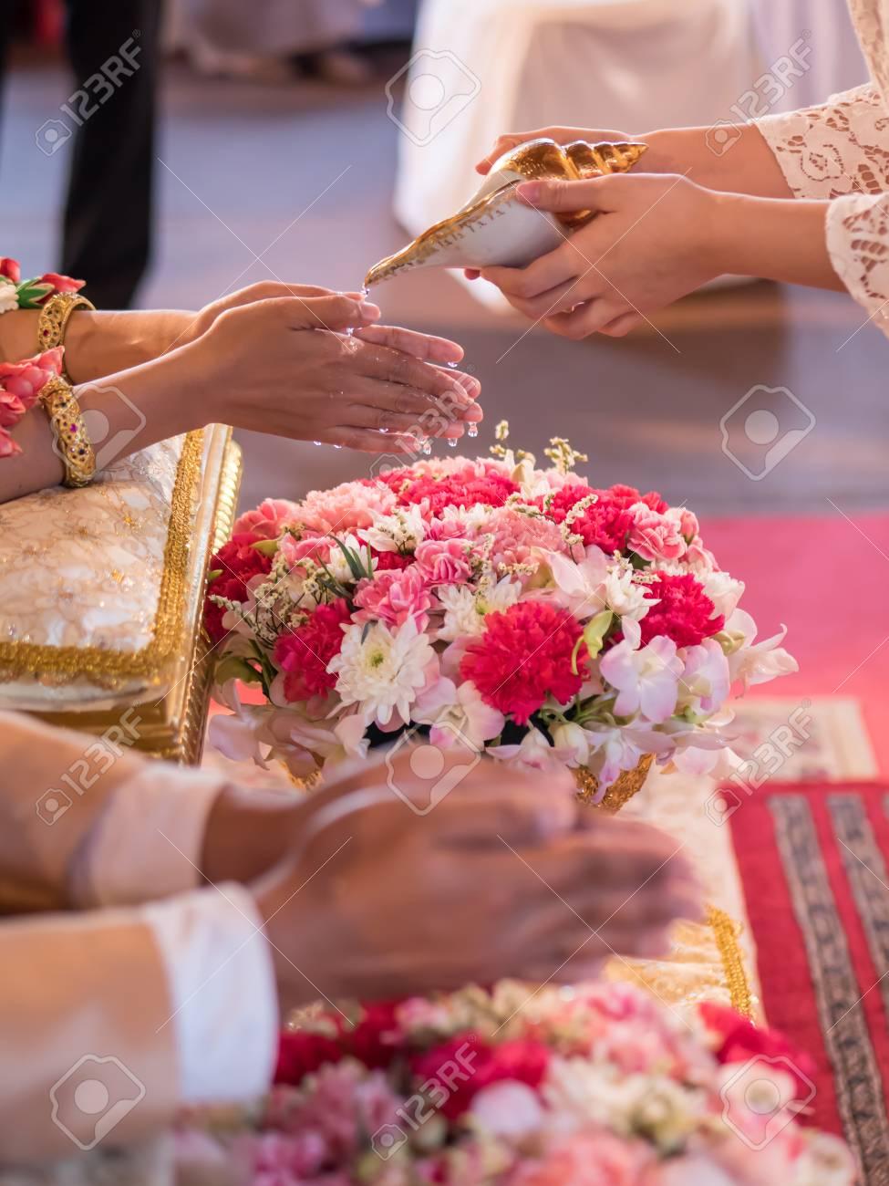 f7728a19c7a6 Archivio Fotografico - Matrimonio tailandese