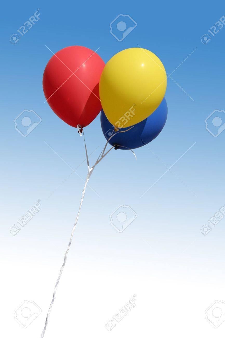 skyand balloons, red, yellow, blue Stock Photo - 551463
