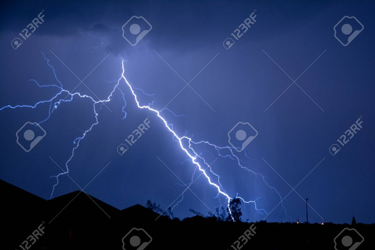 Cloud to Ground forked Lightning Strike Stock Photo - 55407749