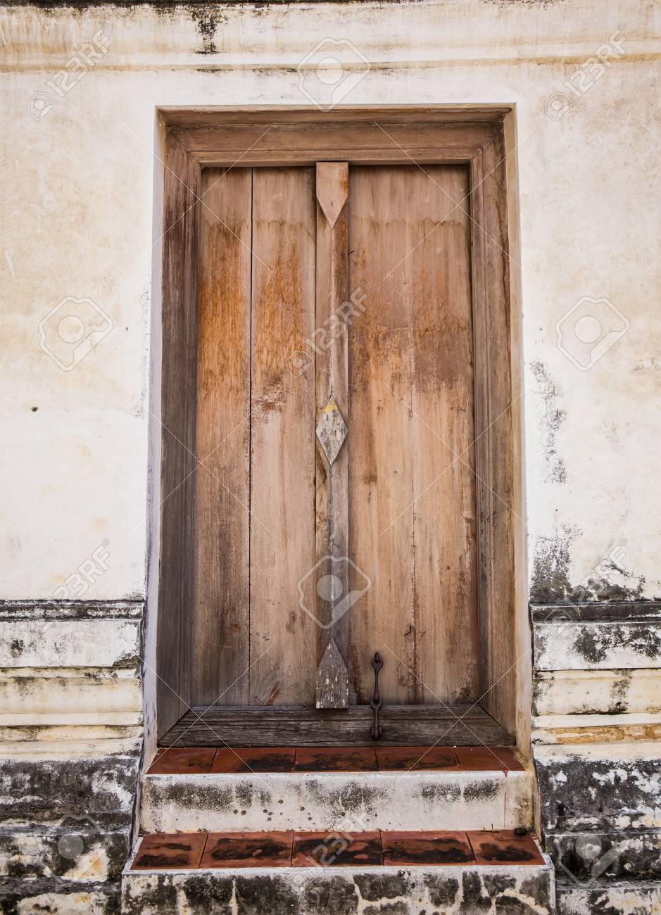 Wooden Door Frame In A Antique Sanctuary. Wat Putthaisawan ...