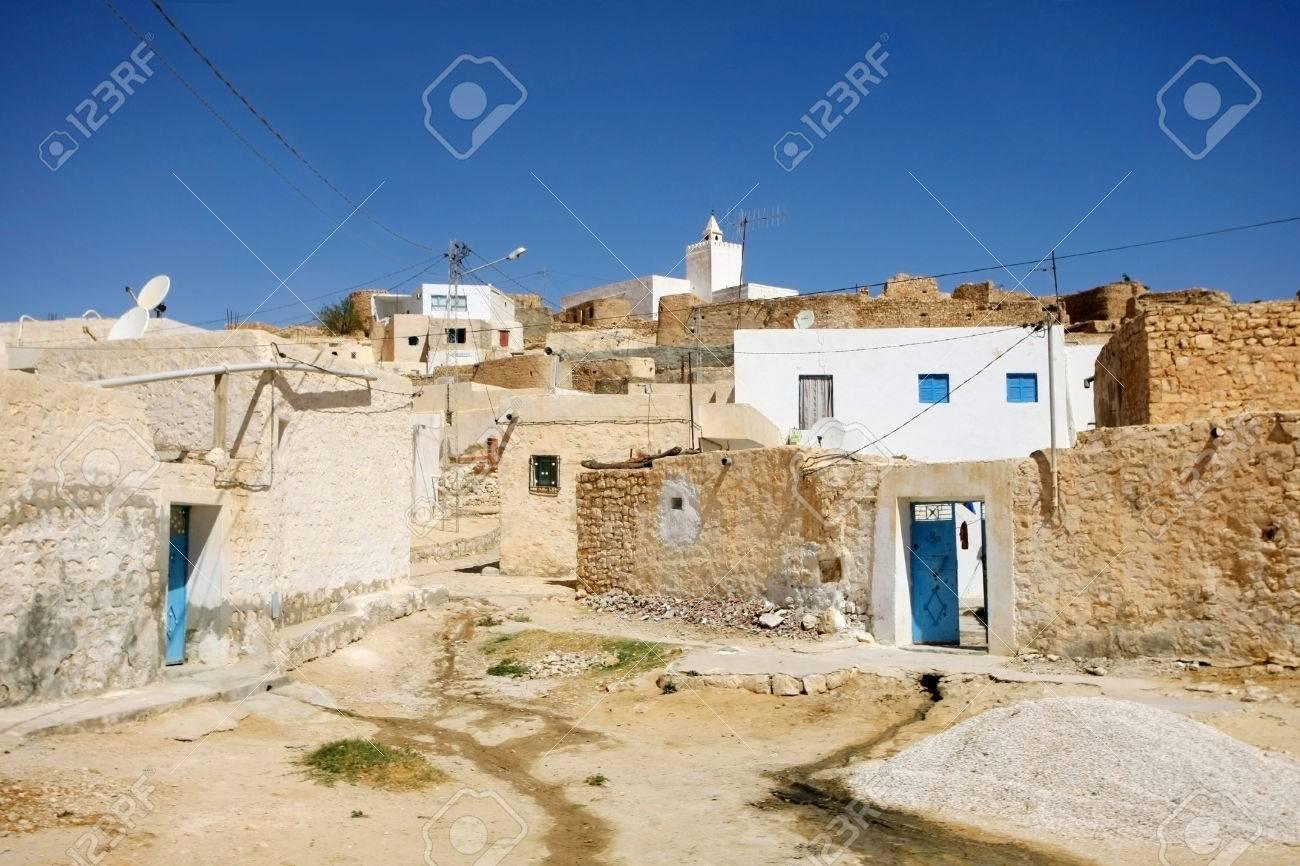 チュニジア Tamezret の村 Tamezret は依存するガベズの県の首都の ...