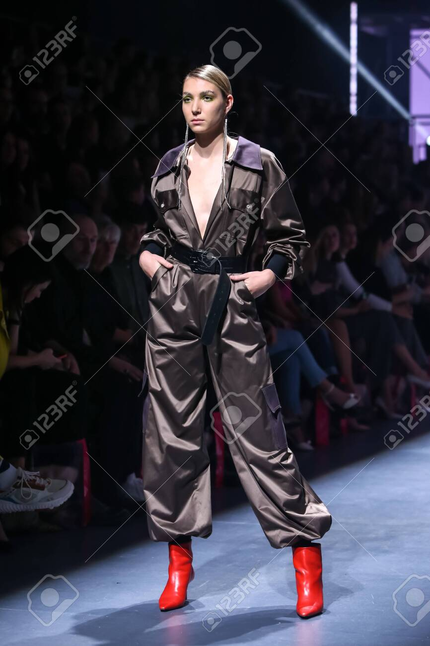 Zagreb, Croatia - October 24, 2019 : A model wearing Les Emaux fashion collection on the catwalk at the Bipa Fashion.hr fashion show in Zagreb, Croatia. - 139613438