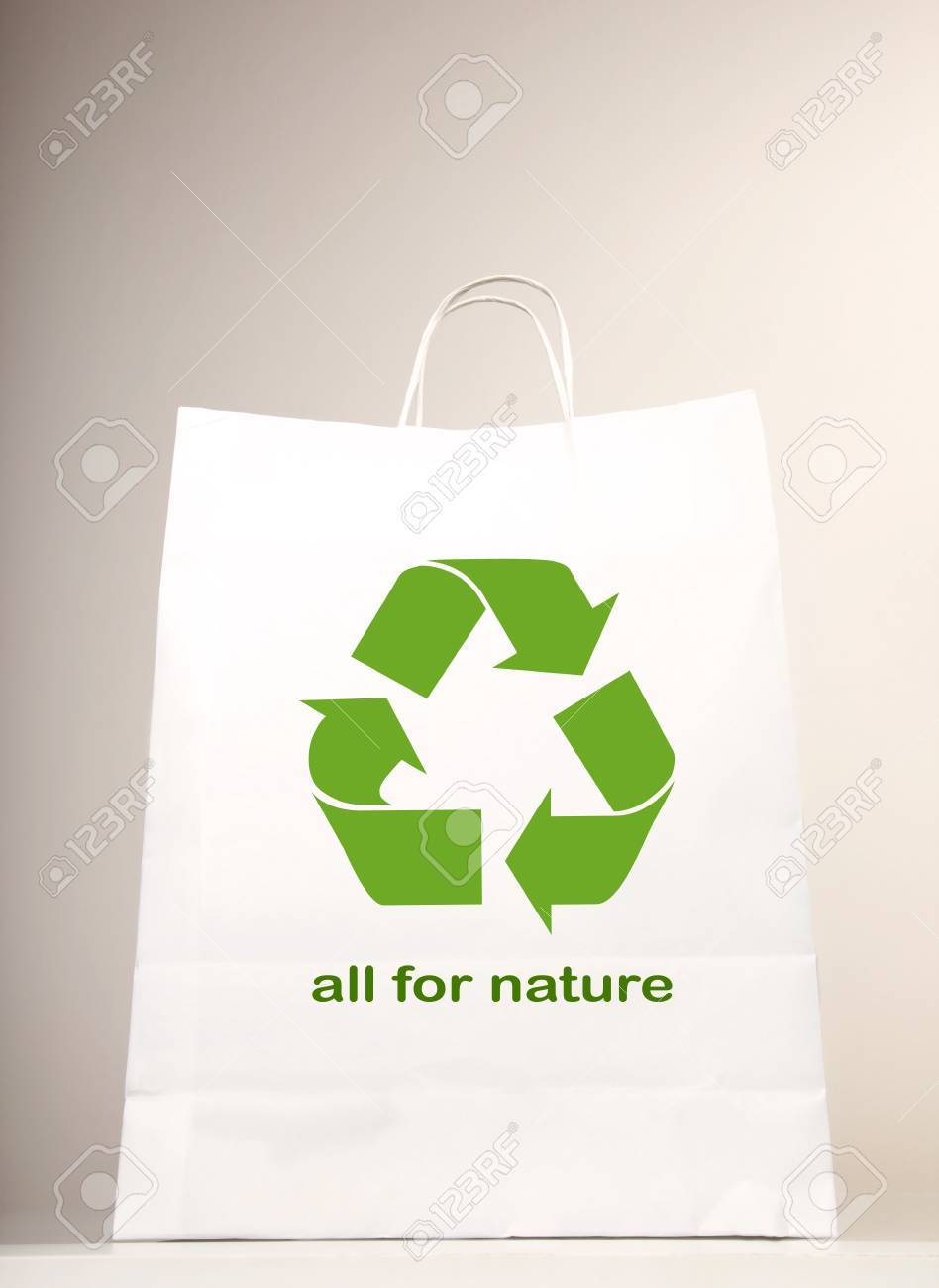 Recycle symbol on the shopping bag Stock Photo - 7359242