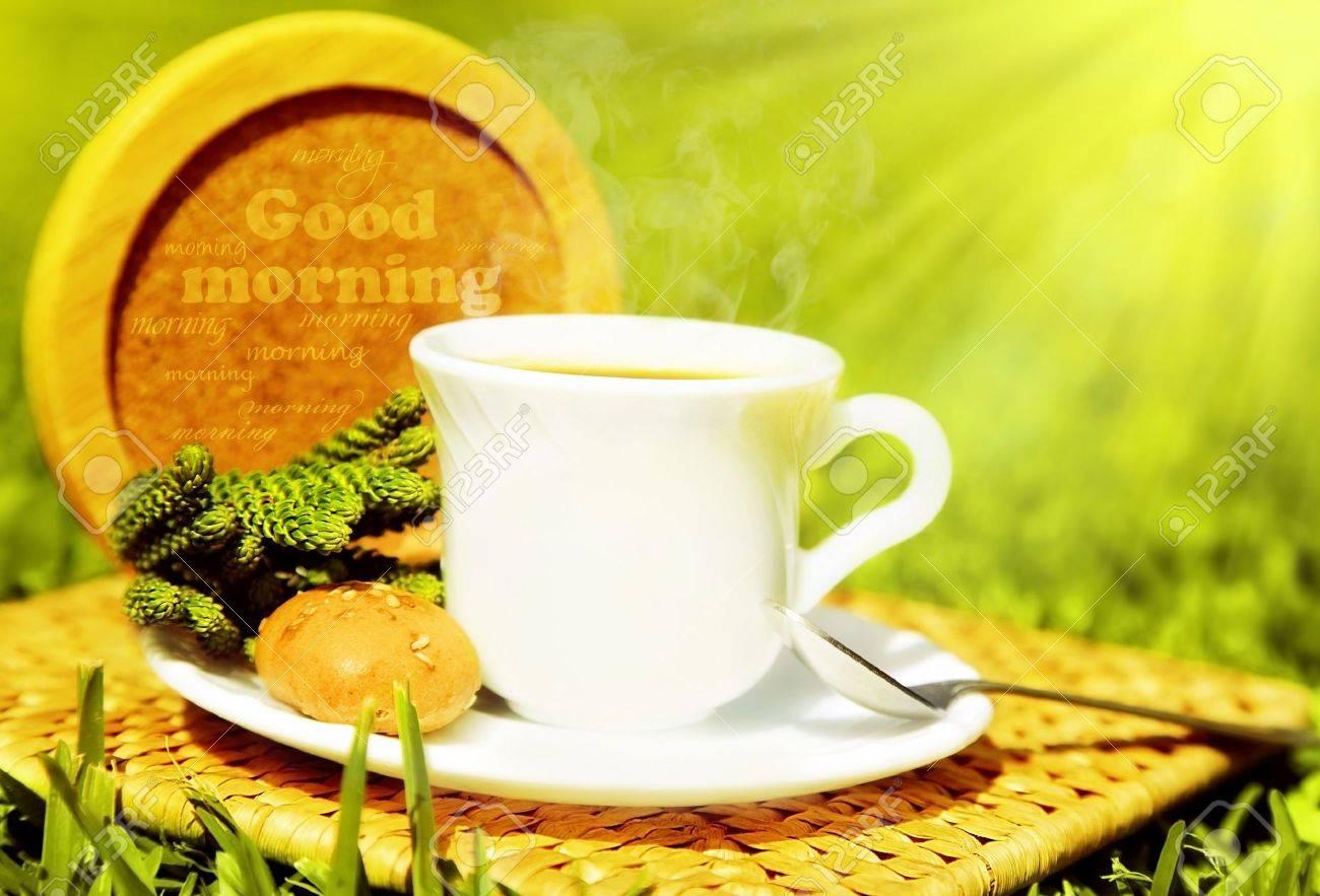 Morgen Getränke, Tee Oder Kaffee Mit Französischen Crouton über ...