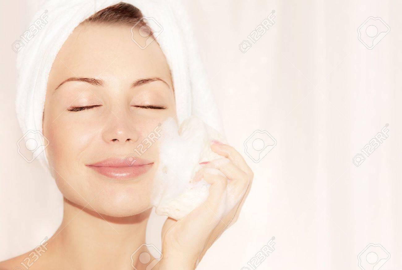 Фото девушка ванну принимает 11 фотография