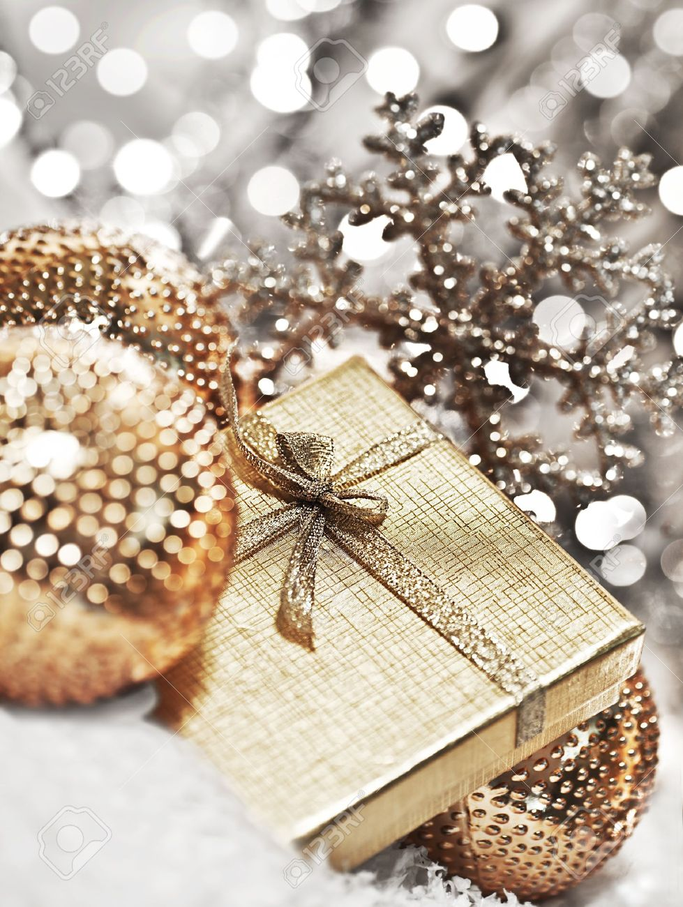 Geschenkschachtel Silber Mit Kugeln Dekorationen Christbaumschmuck