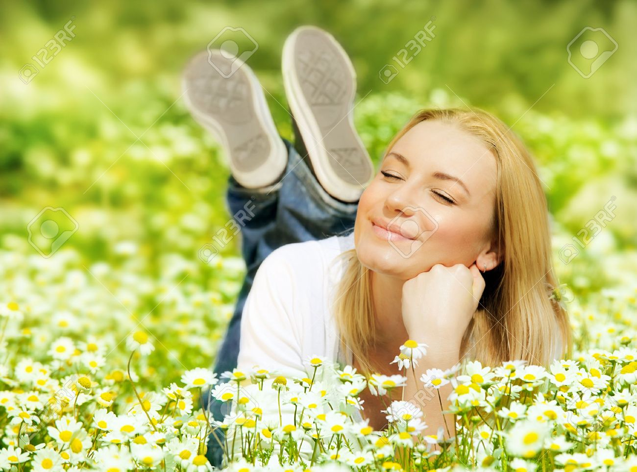 Beautiful Woman Enjoying Daisy Field Nice Female Lying Down Stock