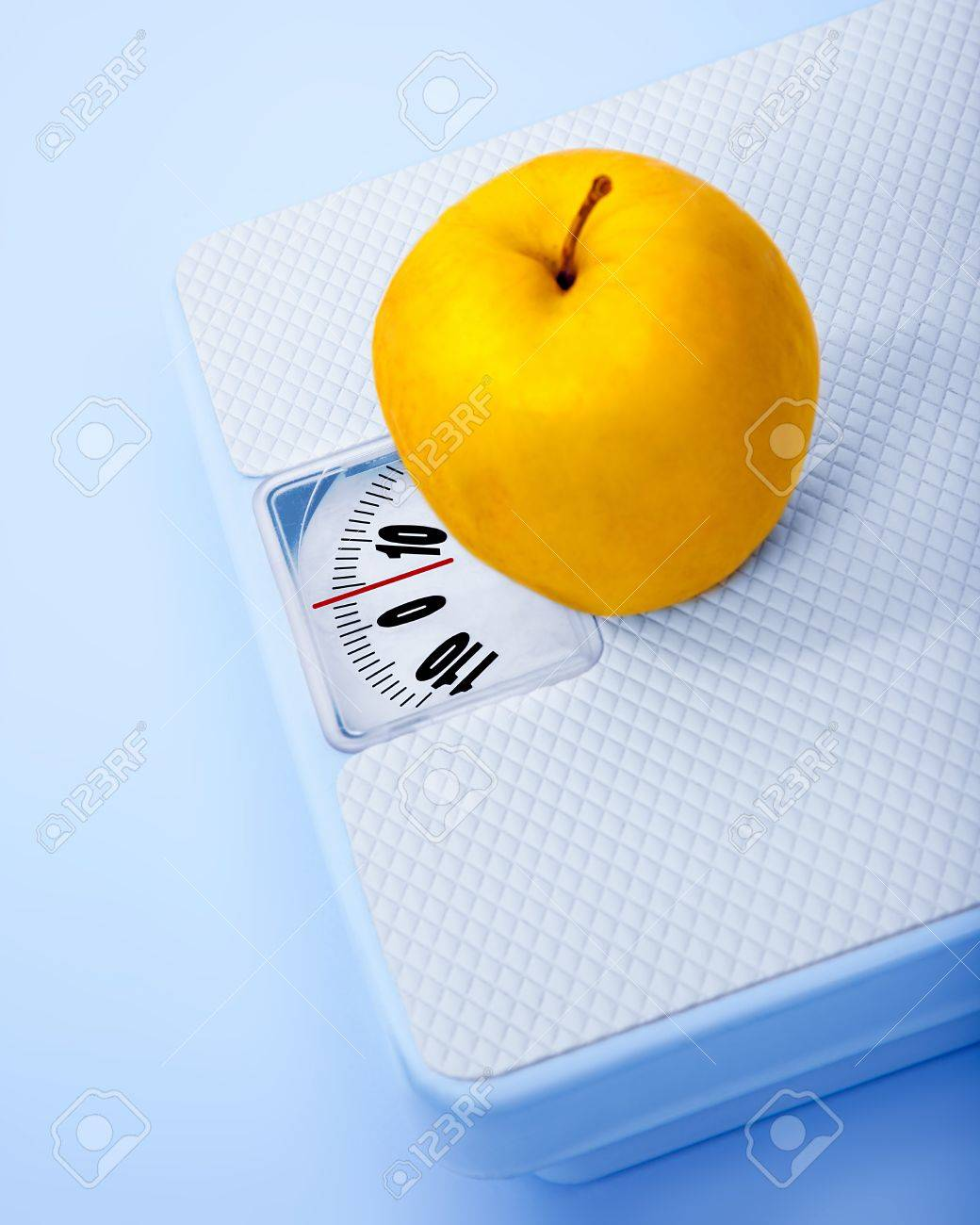 Apple On Scale, Body Weight Watching, Conceptual Image Of Dieting ...