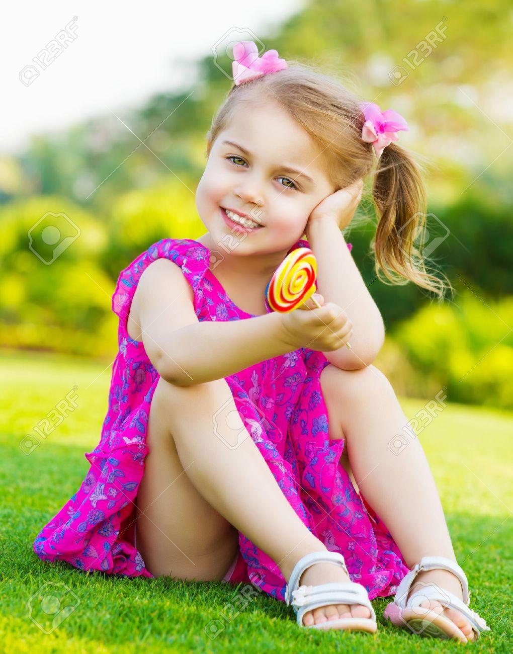 Фото писи маленькой девочки 8 фотография