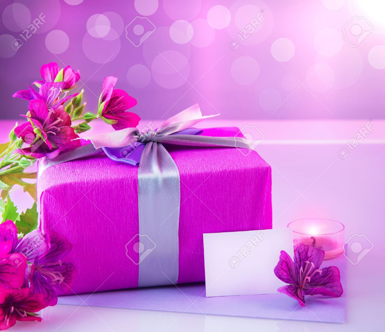 Picture Of Pink Luxury Gift Box With Bouquet Of Beautiful Flowers ...